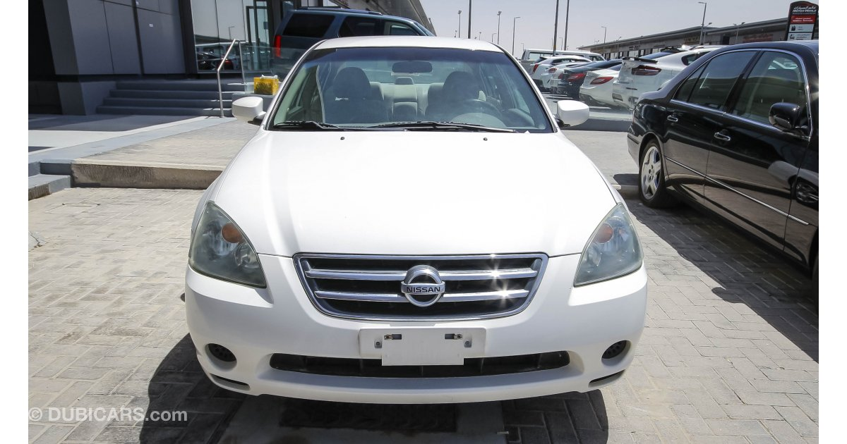 Nissan altima 2 5s for sale aed 15 000 white 2006 for Motor world used cars