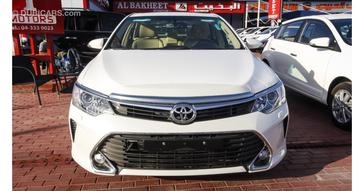 toyota camry for sale aed 95 000 white 2016. Black Bedroom Furniture Sets. Home Design Ideas