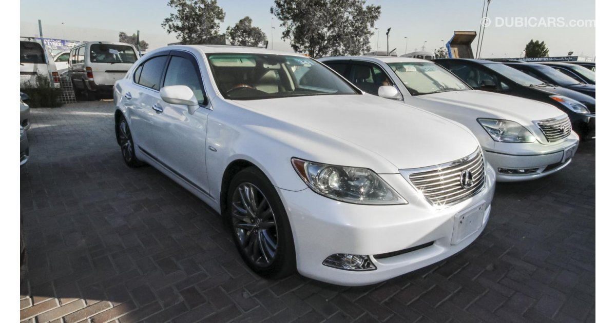 lexus ls 460 for sale aed 75 000 white 2007. Black Bedroom Furniture Sets. Home Design Ideas