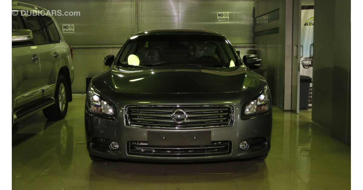 nissan maxima for sale aed 90 000 grey silver 2015. Black Bedroom Furniture Sets. Home Design Ideas