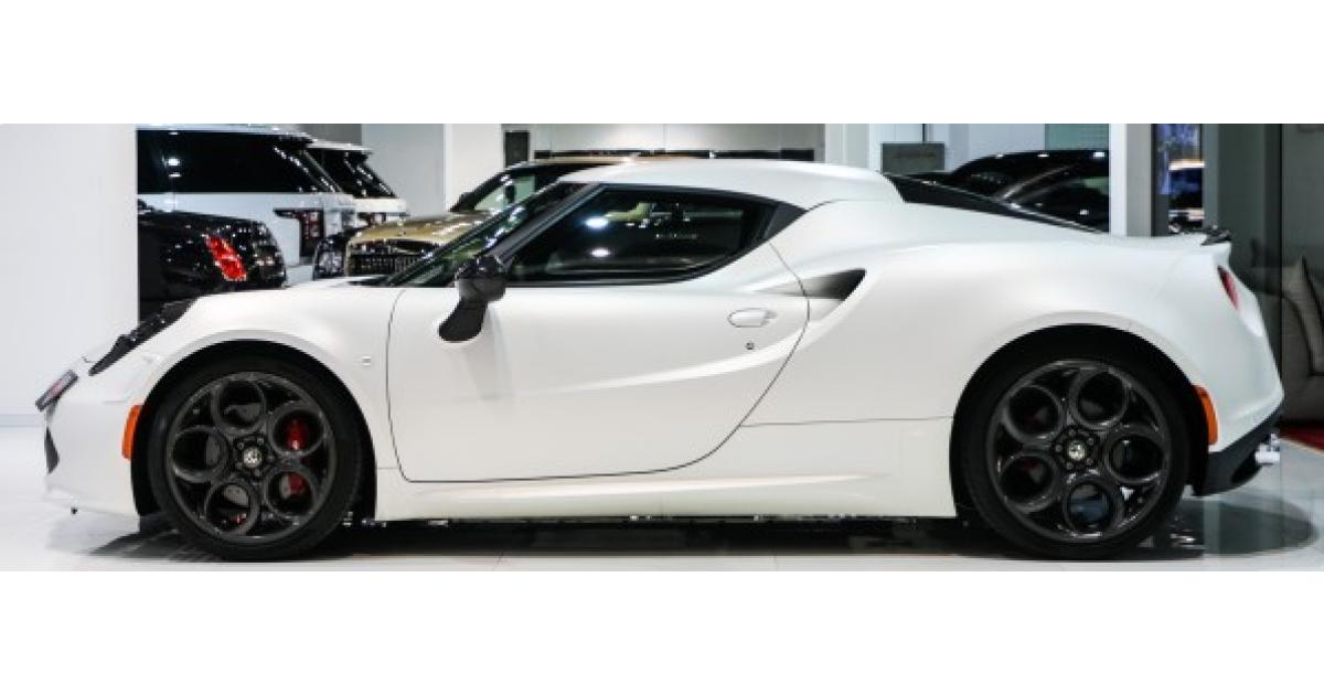 Alfa Romeo 4C for sale AED 285 000 White 2015