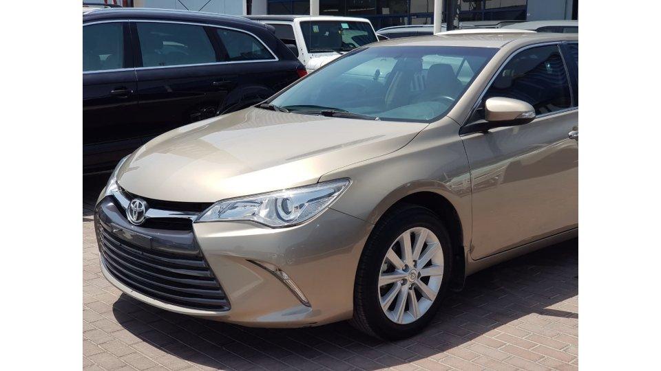 Toyota Camry Mid Option SE