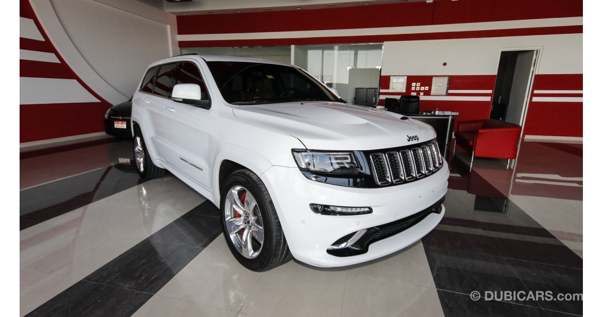 jeep grand cherokee srt for sale aed 205 000 white 2014. Black Bedroom Furniture Sets. Home Design Ideas