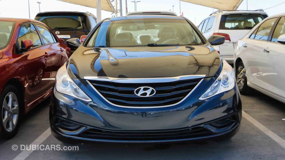 hyundai sonata for sale aed 20 000 blue 2011. Black Bedroom Furniture Sets. Home Design Ideas