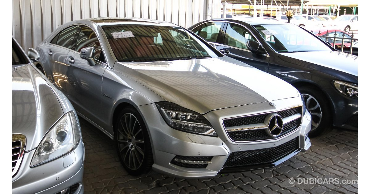 mercedes benz cls 550 for sale aed 119 000 grey silver 2012. Black Bedroom Furniture Sets. Home Design Ideas
