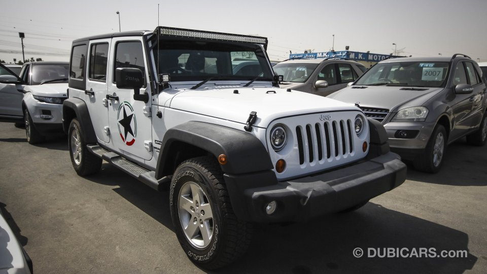 jeep wrangler for sale aed 95 000 white 2015. Black Bedroom Furniture Sets. Home Design Ideas