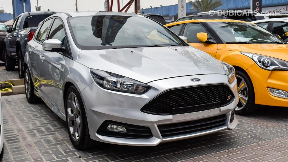 Ford Focus St 2016 Silver 882 X 60 Months Warranty Low Dp Sunroof Cruise Control Alloys Airbags