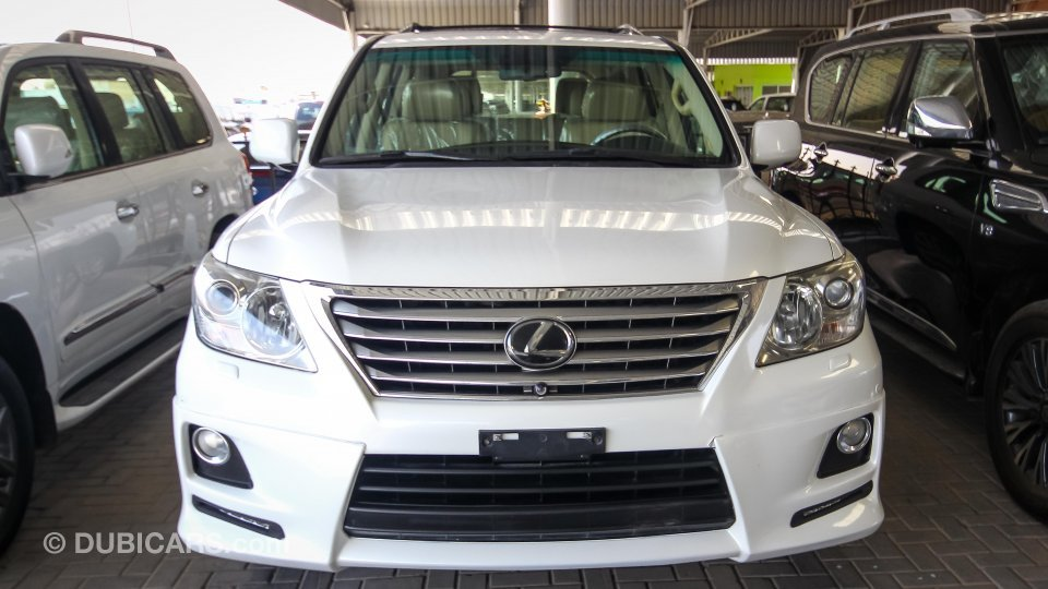 lexus lx 570 for sale aed 128 000 white 2010. Black Bedroom Furniture Sets. Home Design Ideas