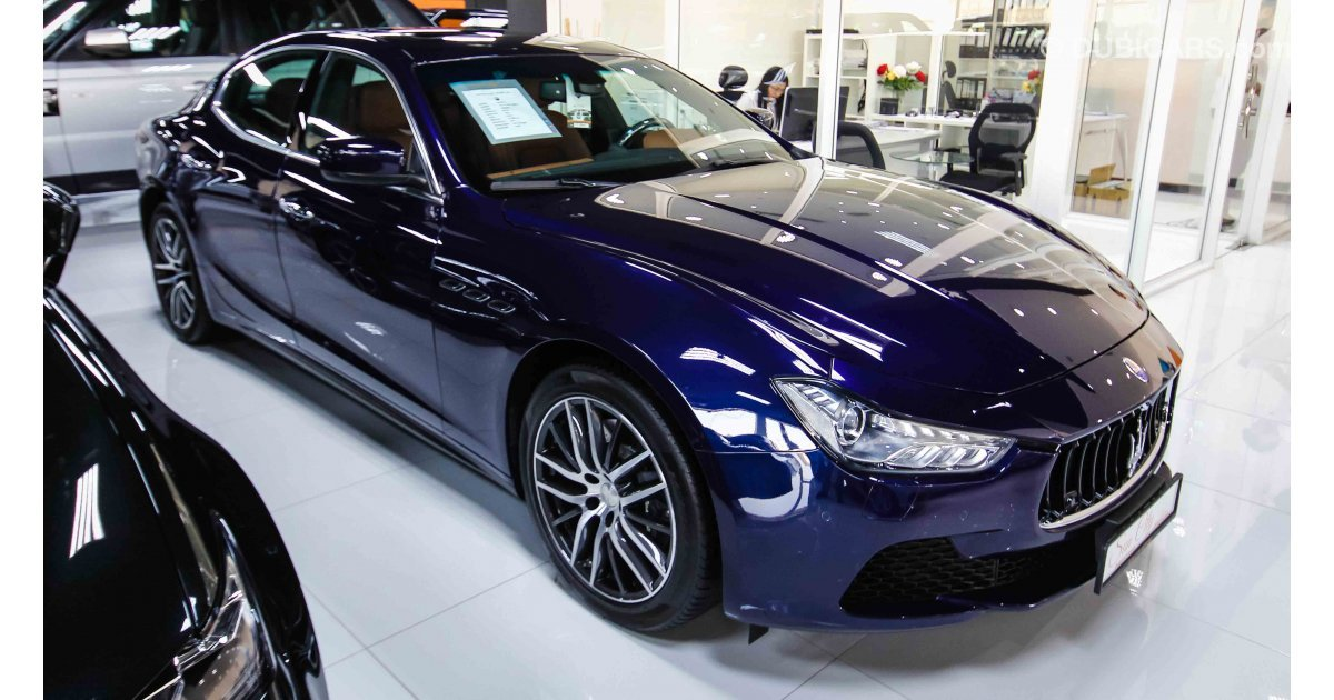 maserati ghibli for sale aed 179 000 blue 2015. Black Bedroom Furniture Sets. Home Design Ideas