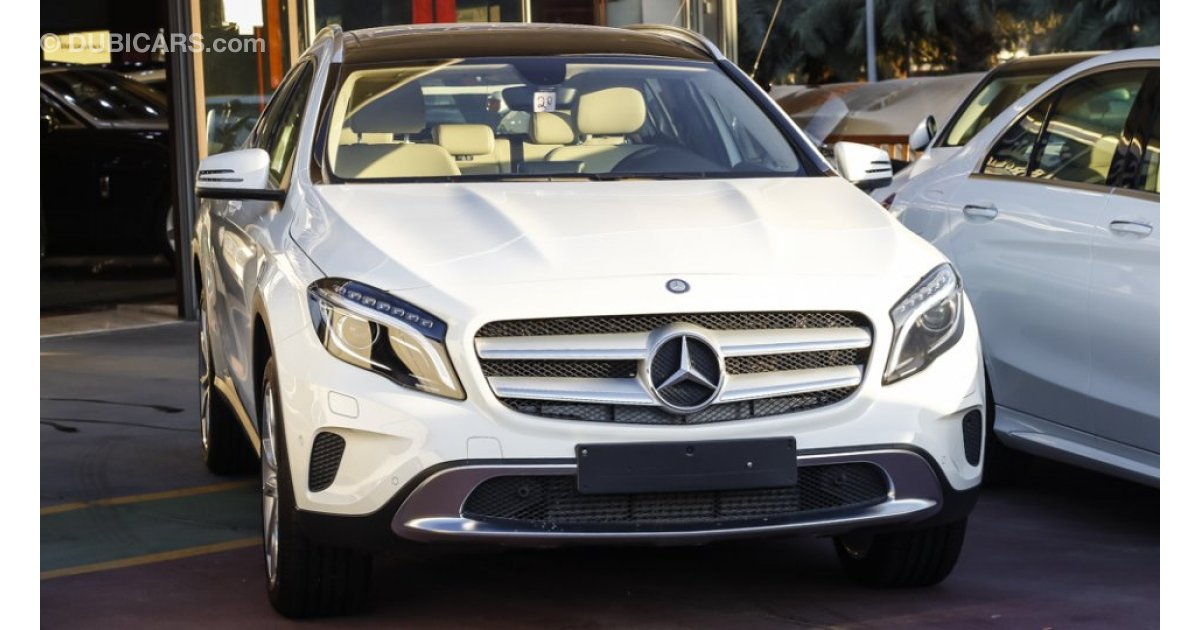 Mercedes benz gla 250 for sale aed 175 000 white 2016 for Mercedes benz gla for sale