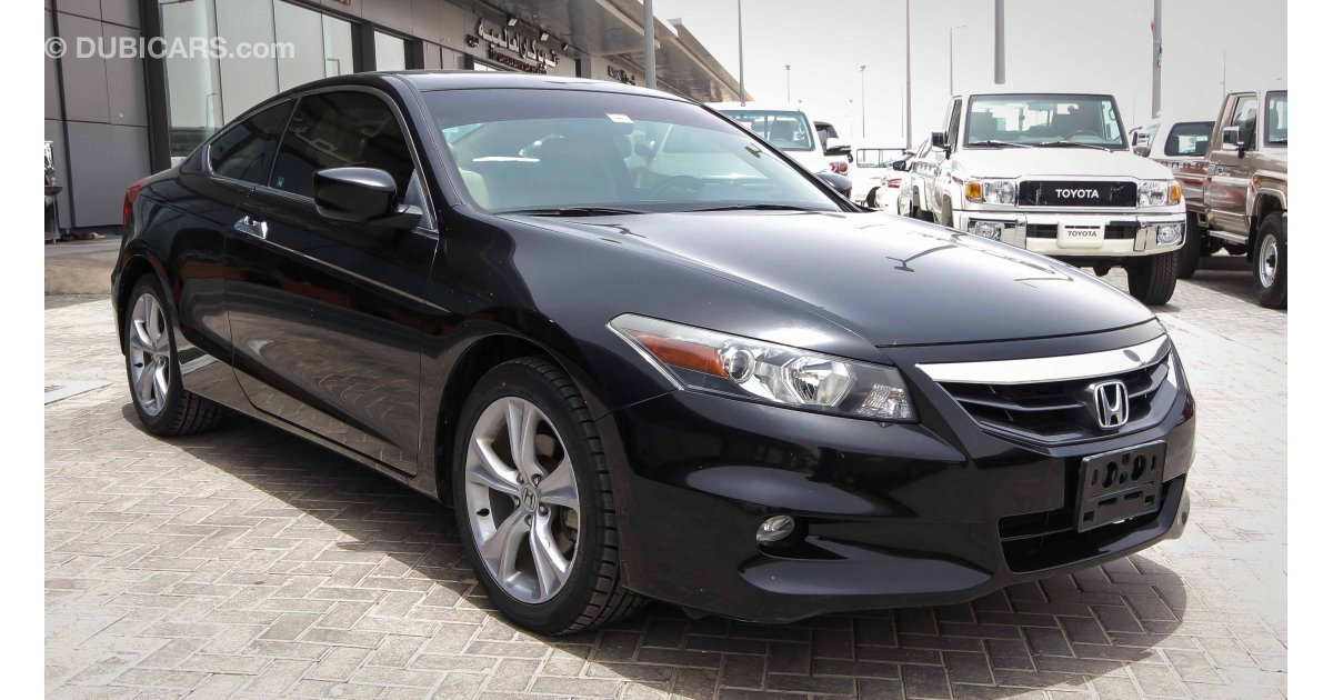 honda accord coupe for sale aed 33 000 black 2012. Black Bedroom Furniture Sets. Home Design Ideas