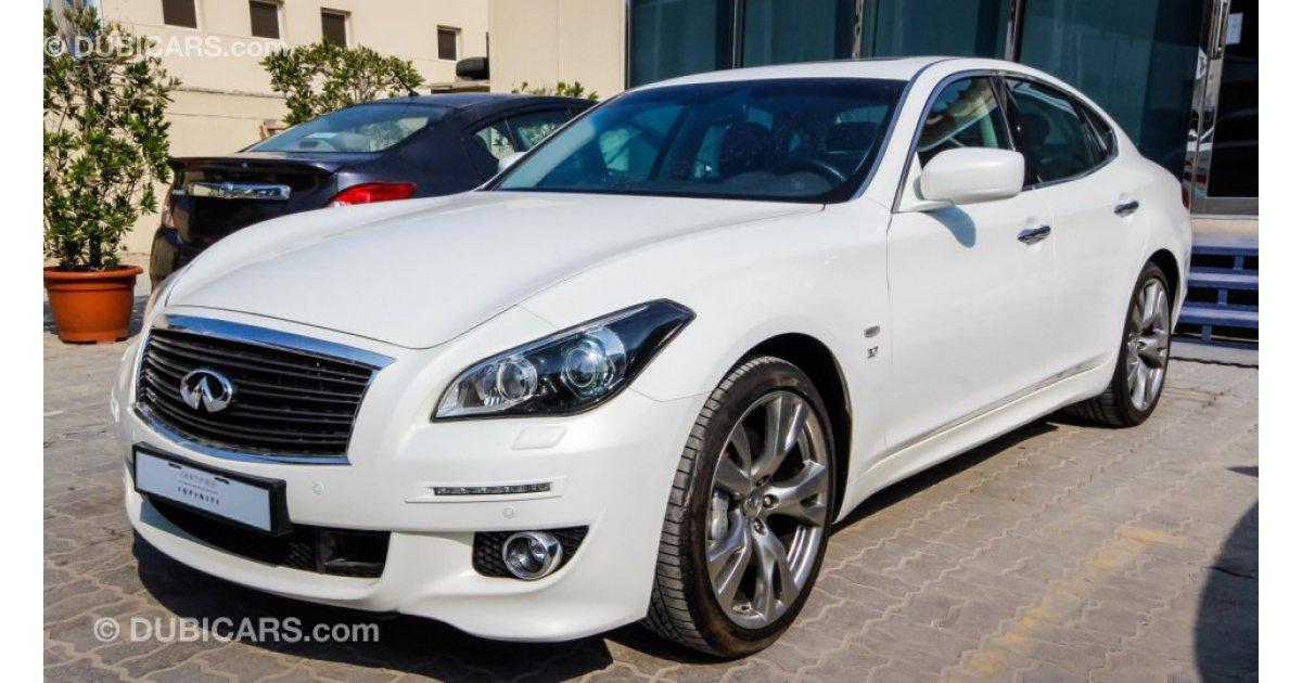 infiniti q70 3 7 for sale  aed 129 900  white  2015