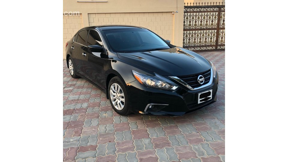 Nissan Altima for sale: AED 29,000. Black, 2016