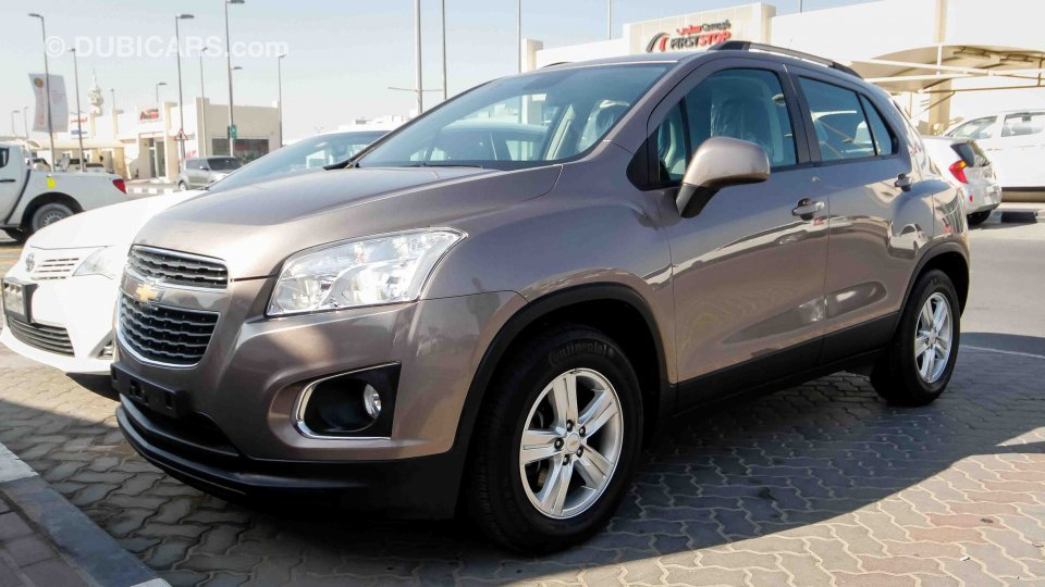 chevrolet trax lt for sale aed 29 000 grey silver 2015. Black Bedroom Furniture Sets. Home Design Ideas