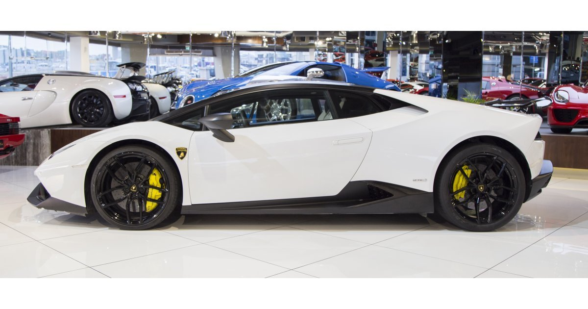 lamborghini huracan lp 610 4 for sale aed 625 000 white. Black Bedroom Furniture Sets. Home Design Ideas