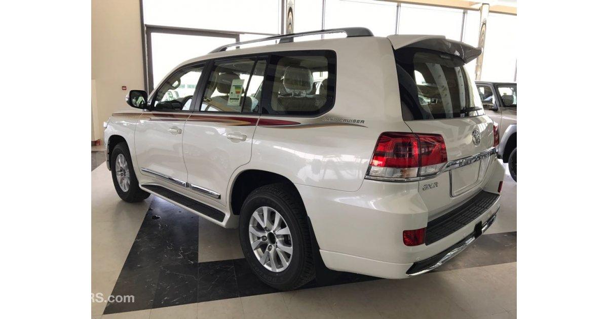 Toyota Land Cruiser GXR V6 for sale: AED 205,000. White, 2017