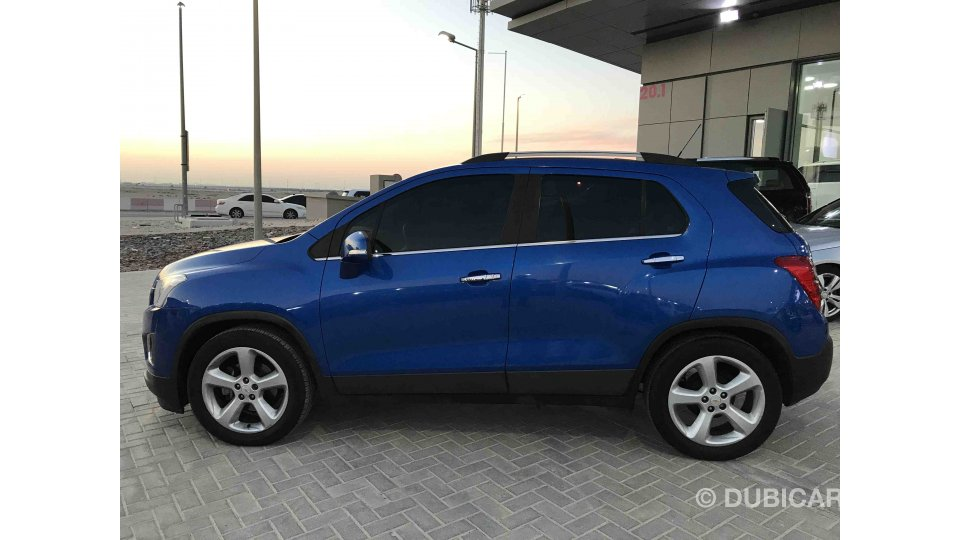 chevrolet trax for sale aed 45 000 blue 2016. Black Bedroom Furniture Sets. Home Design Ideas