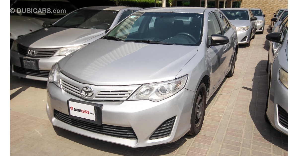 toyota camry ex taxi for sale aed 17 500 grey silver 2013. Black Bedroom Furniture Sets. Home Design Ideas