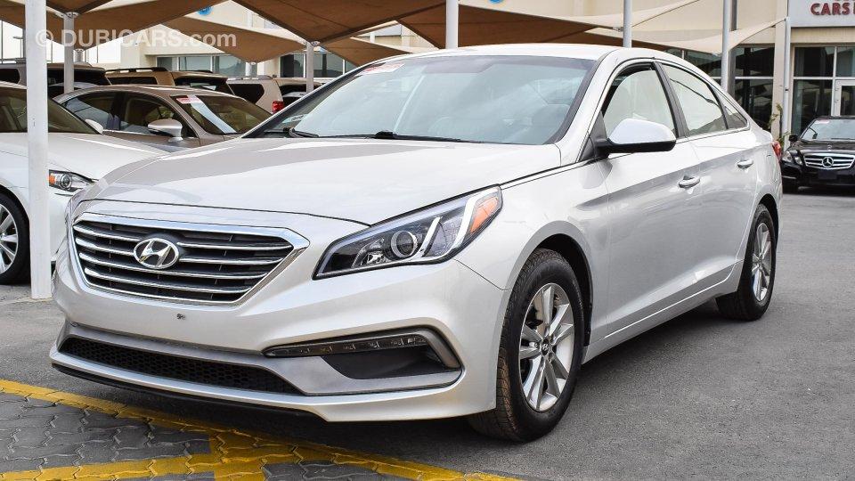 Hyundai Sonata For Sale Aed 31 000 Grey Silver 2016
