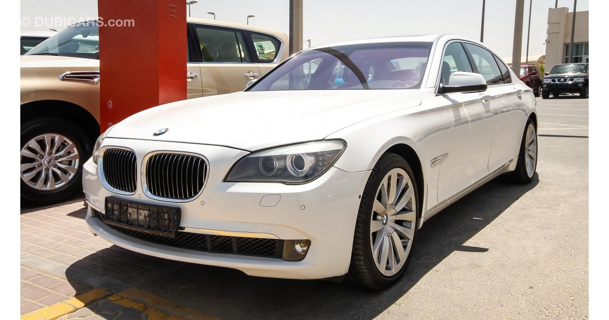 bmw 740 li for sale aed 58 000 white 2012. Black Bedroom Furniture Sets. Home Design Ideas
