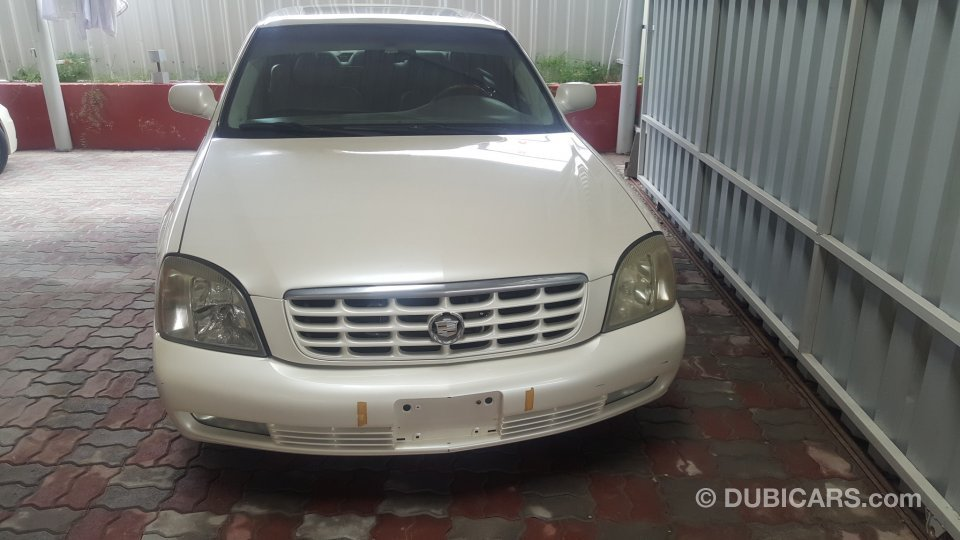 cadillac dts for sale aed 8 000 white 2003. Black Bedroom Furniture Sets. Home Design Ideas