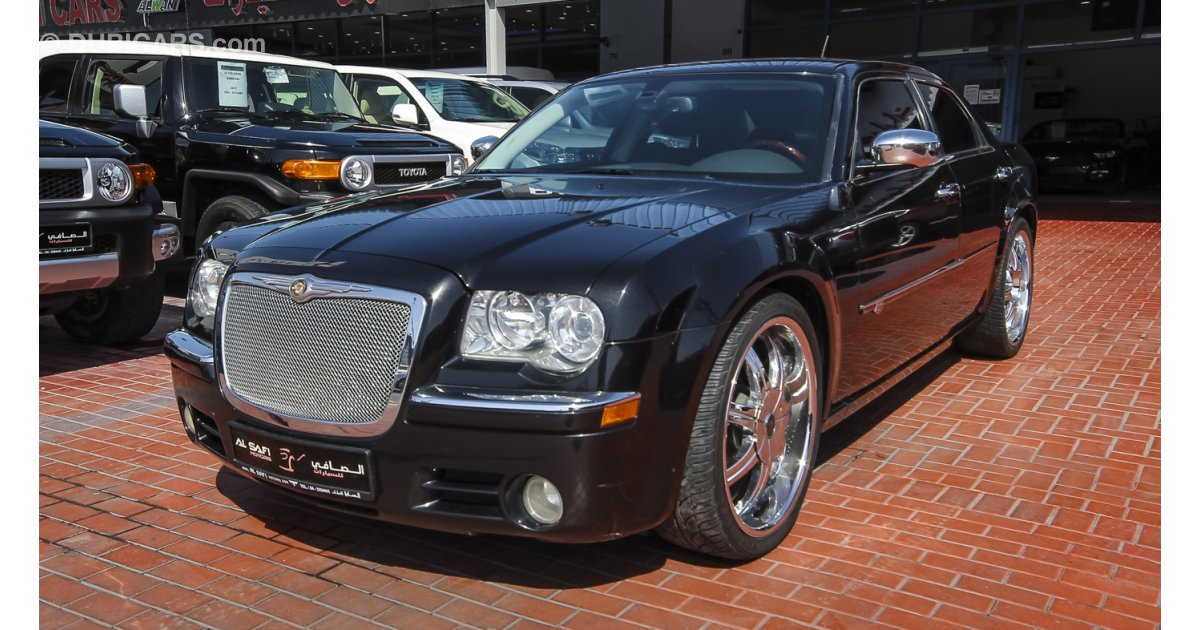 chrysler 300c hemi for sale aed 35 000 black 2008. Black Bedroom Furniture Sets. Home Design Ideas