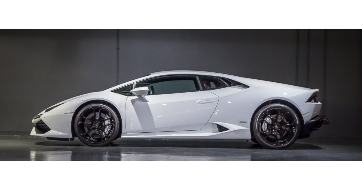 lamborghini huracan lp610 4 under warranty for sale aed. Black Bedroom Furniture Sets. Home Design Ideas