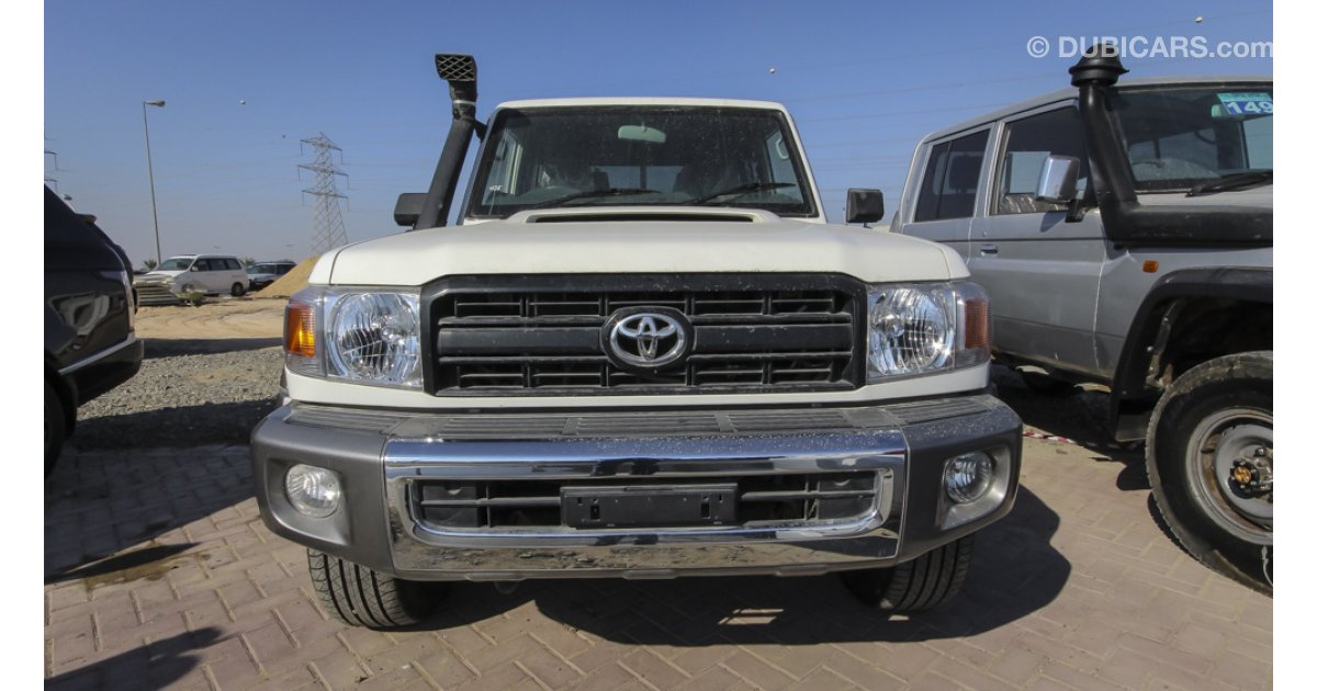 toyota land cruiser pick up v8 diesel right hand drive for export only for sale aed 128 450. Black Bedroom Furniture Sets. Home Design Ideas