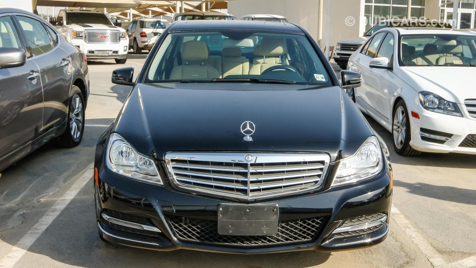 mercedes benz c 300 for sale aed 63 000 black 2014. Black Bedroom Furniture Sets. Home Design Ideas