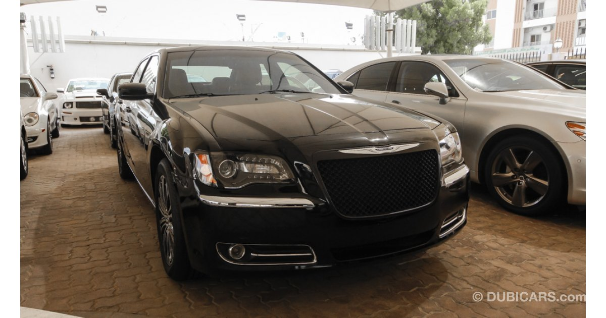 Chrysler 300s awd for sale aed 73 000 black 2013 - Chrysler 300 red interior for sale ...