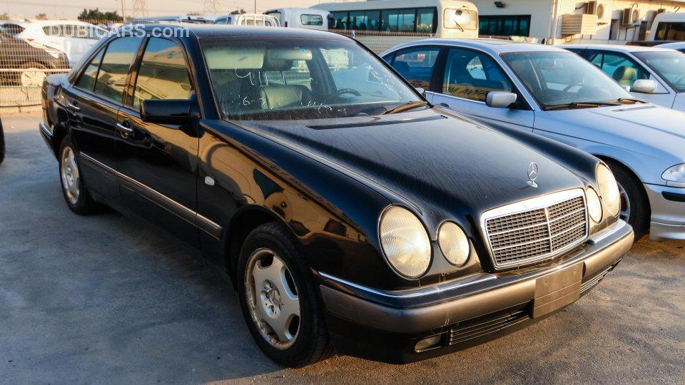 mercedes benz e 320 for sale aed 10 000 black 1999. Black Bedroom Furniture Sets. Home Design Ideas