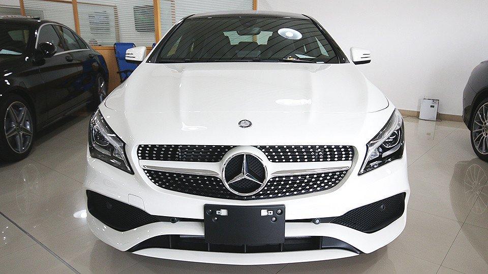Cla 250 amg 2 0l turbo black rims gcc specs for Mercedes benz unlimited mileage warranty