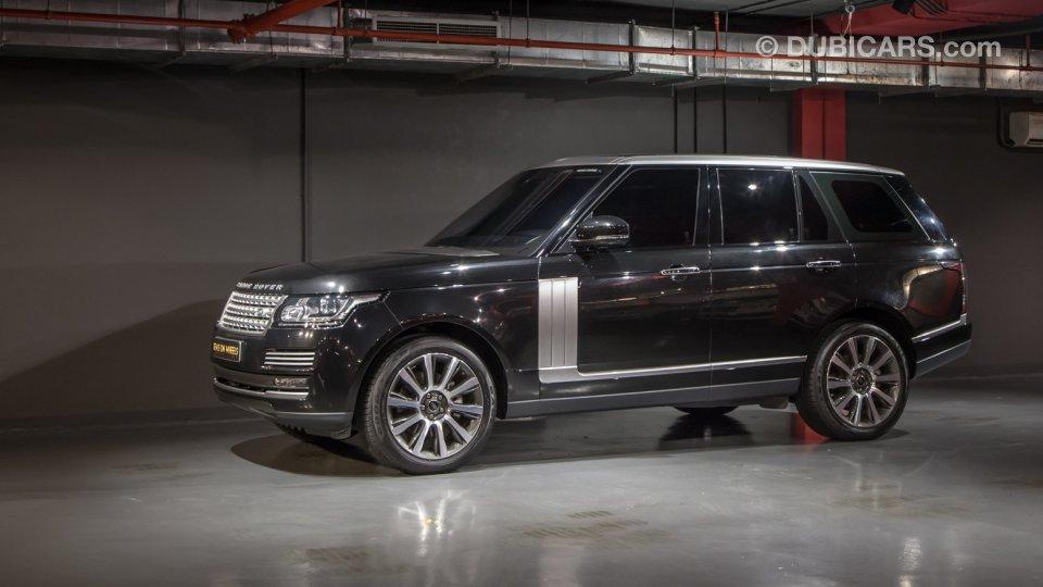 Range Rover Vogue Price In Uae >> Land Rover Range Rover Vogue SE Supercharged SC - Under Warranty for sale: AED 369,000. Black, 2016