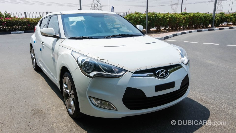 hyundai veloster for sale aed 38 400 white 2013. Black Bedroom Furniture Sets. Home Design Ideas