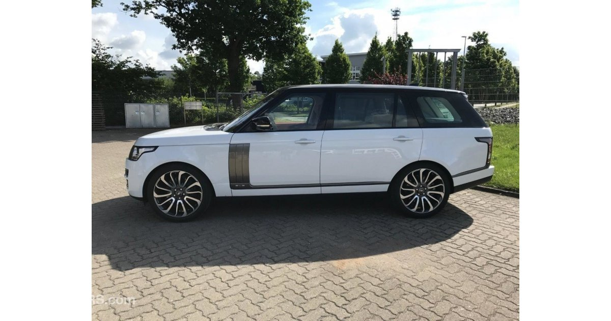 land rover range rover vogue autobiography for sale aed 585 000 white 2017. Black Bedroom Furniture Sets. Home Design Ideas
