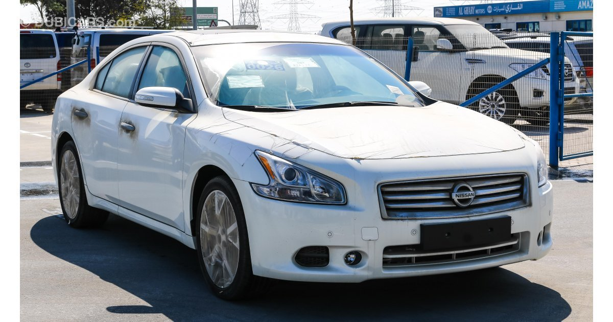 nissan maxima for sale aed 75 000 white 2015. Black Bedroom Furniture Sets. Home Design Ideas