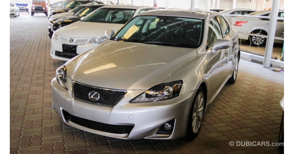 lexus is 250 for sale aed 44 000 grey silver 2010. Black Bedroom Furniture Sets. Home Design Ideas