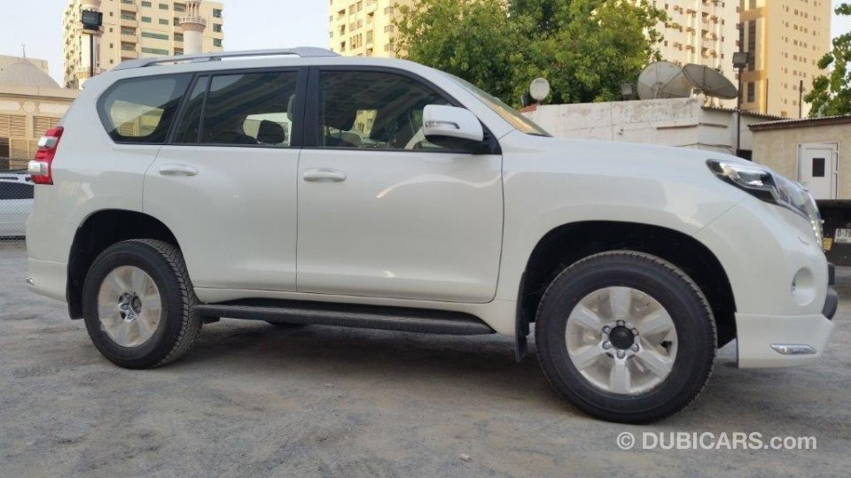 toyota prado 2 7l txl with sunroof for sale aed 134 000. Black Bedroom Furniture Sets. Home Design Ideas