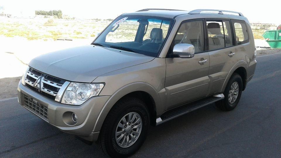 Mitsubishi Pajero for sale: AED 35,000. Gold, 2013