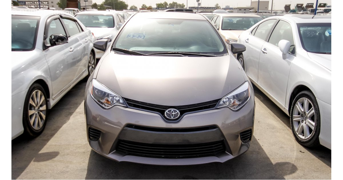 toyota corolla le for sale aed 35 000 grey silver 2015. Black Bedroom Furniture Sets. Home Design Ideas