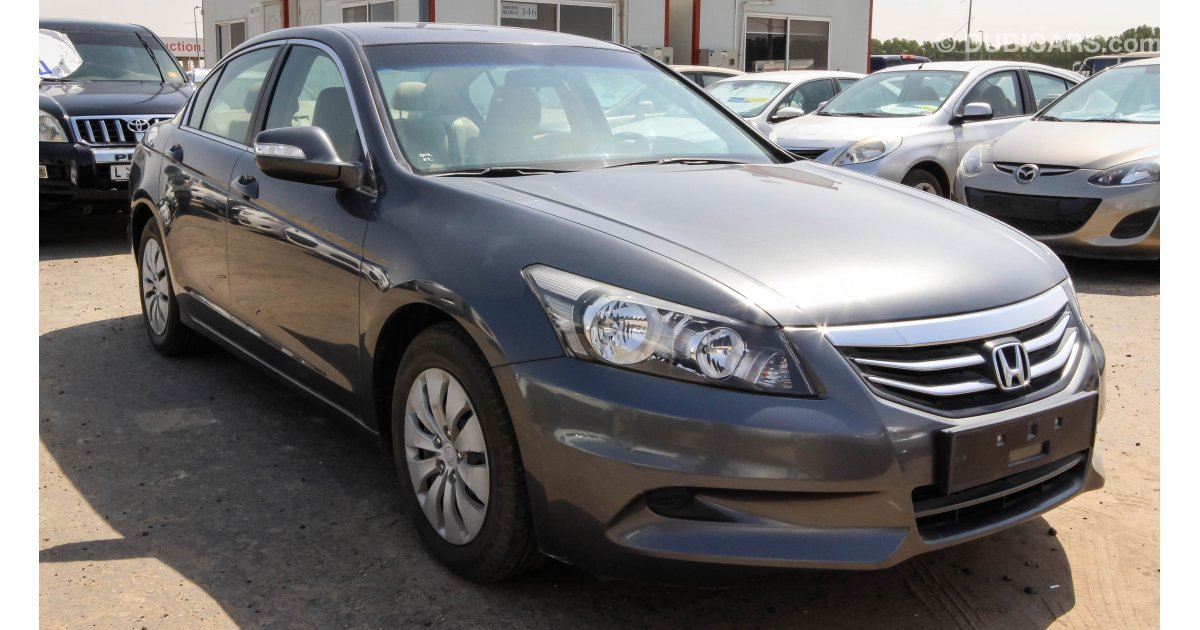 Honda accord i vtec for sale aed 36 000 grey silver 2012 for Honda accord motors for sale