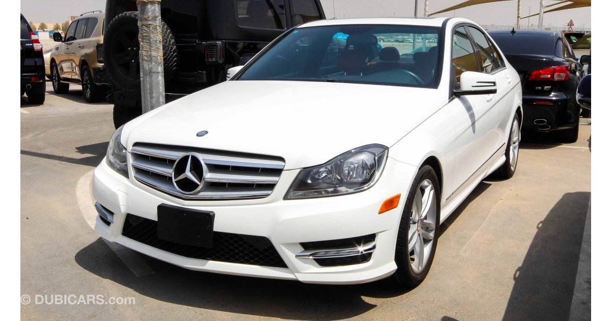 mercedes benz c 300 for sale aed 55 000 white 2013. Black Bedroom Furniture Sets. Home Design Ideas