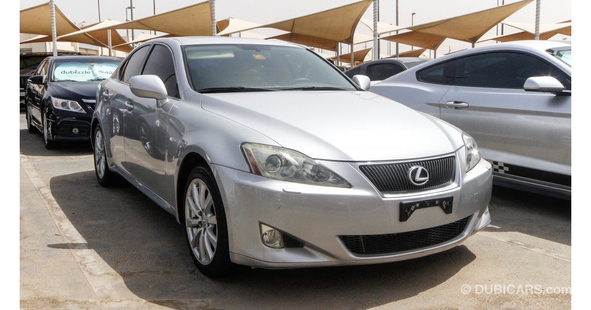 lexus is 300 for sale aed 32 000 grey silver 2008. Black Bedroom Furniture Sets. Home Design Ideas