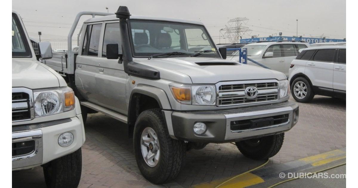 Toyota Diesel Truck >> Toyota Land Cruiser Pickup dual cab diesel V8 1VD right ...