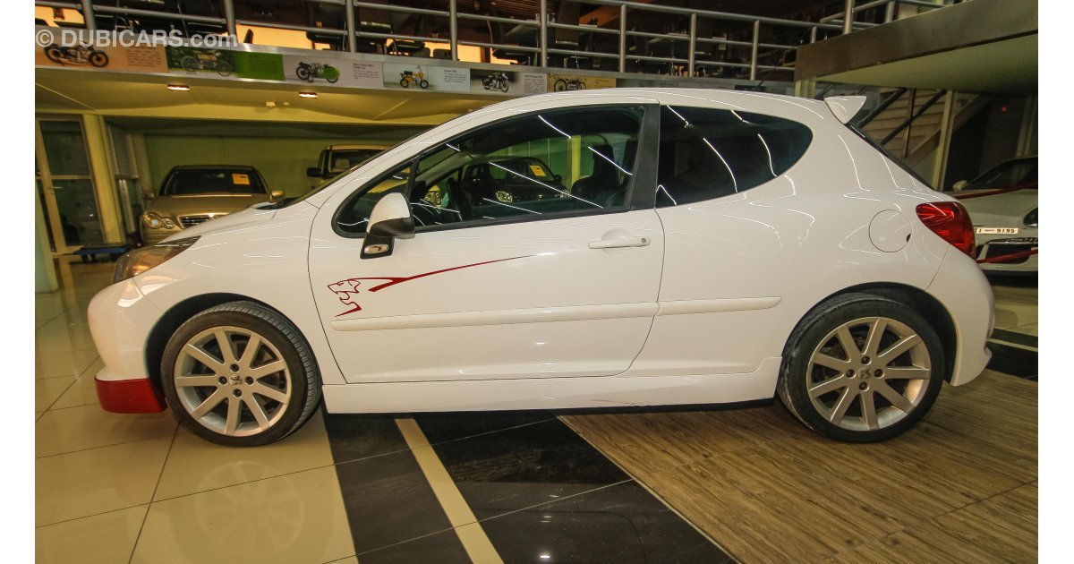 peugeot 207 le mans series for sale aed 15 000 white 2009. Black Bedroom Furniture Sets. Home Design Ideas