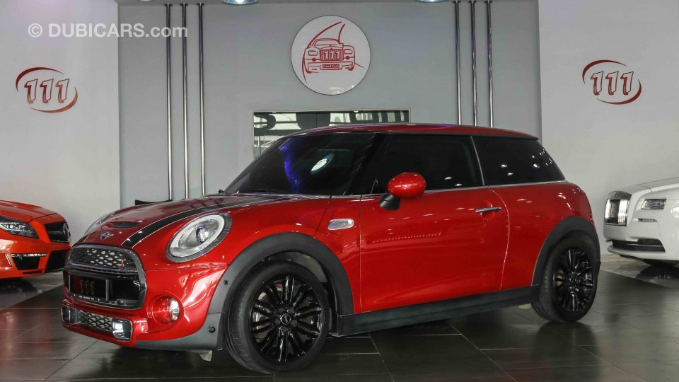 mini cooper s for sale aed 75 000 burgundy 2014. Black Bedroom Furniture Sets. Home Design Ideas