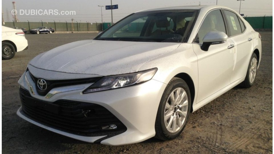Toyota Camry Gle 2018 Sunroof For Sale Aed 99 000 White 2018