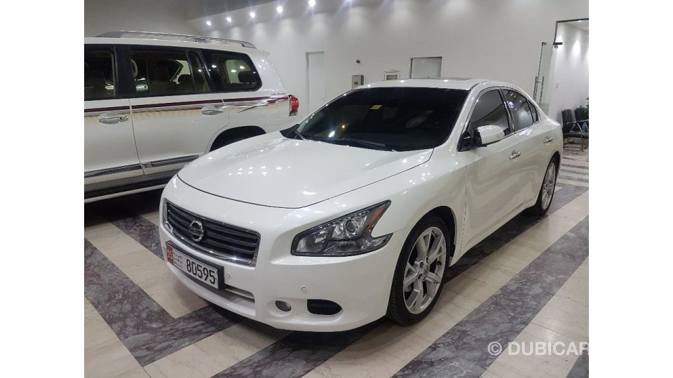 nissan maxima for sale aed 56 000 white 2015. Black Bedroom Furniture Sets. Home Design Ideas