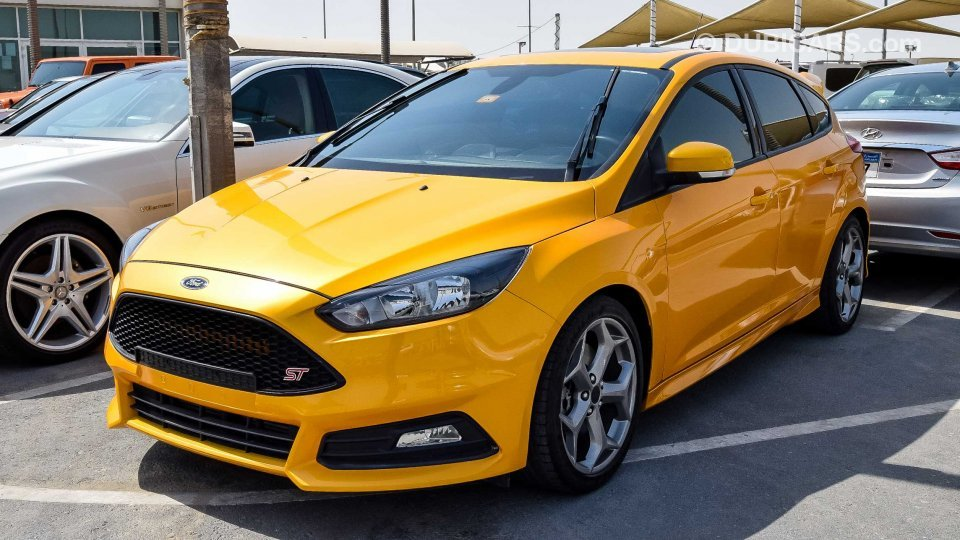 How To Calculate Interest On A Car Loan >> Ford Focus ST for sale: AED 55,000. Yellow, 2016