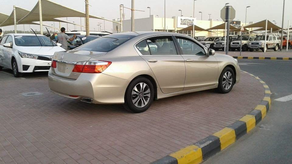 2016 Honda Accord For Sale >> Honda Accord for sale: AED 50,000. Gold, 2016
